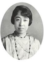 柳兼子 必修の音楽を担当(1925―1930)課外として合唱指導、本格的な混声合唱団創設に貢献(1965年芸術院恩賜賞、1972年芸術院会員)