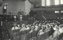 栄光館ファウラー講堂における礼拝 (1933年)