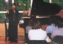 1999年春期リトリート 教会音楽家久米小百合(元歌手・久保田早紀)を講師に迎え、「私(じぶん)というオリジナル」を見つけることの大切さをともに考えた