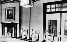 デントン・ハウス 室内 内外の客を招いてもてなした大広間。しかし、造りは簡素であり、明治初期宣教師の開拓者的精神が保たれていた