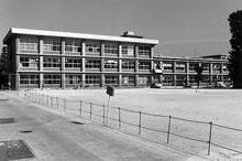 心和館 常盤寮西館跡に建築。1971年第1期工事、1978年に第2期工事が完成