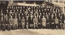 同志社女子大学英文学専攻第1期生(1953年3月卒業記念)