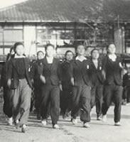 軍事教練 銃をもつこともあった(1944年11月)