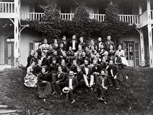 アメリカン・ボード日本ミッションの宣教師たち 神戸英和女学校にて (1879年6月23日) ウーマンズ・ボードの支援を受けて日本ミッションに在籍していた 女性宣教師たち(1879年6月現在)