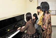 練習室:ピアノ2
