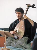 Silvain Guignard による音楽学科講座 演題は「筑前琵琶~五弦の美と語りの荘重~」(1997年)