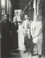 1940年6月30日デントン・ハウス 左から外村吉之介、デントン、柳宗悦、濱田庄司