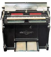 1879年彦根教会で購入したオルガン 1879年エスティ社製造のもの(現在は中島宗達氏曽孫小泉道子氏所蔵)