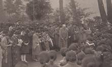創立記念早天祈禱会 若王子山頂新島襄の墓前(1931年11月29日)
