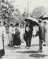 D. W. ラーネッド教授の帰国 1928年、五十余年に及ぶ同志社での教職生活に終止符を打って80歳で帰国。夫人は女子部で教えた