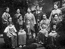 同窓会京城支部会 土井登美栄(高等女学部1928年、英文科1931年卒業)宅(1937年10月31日)